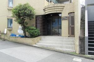 ジョイフル早稲田のエントランス