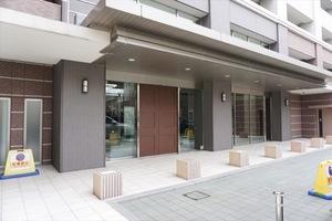 パークホームズ横浜山下町のエントランス