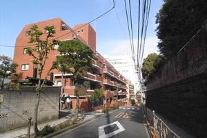 湯島サマリヤマンションの外観