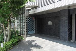 プレールドゥーク新宿御苑2のエントランス
