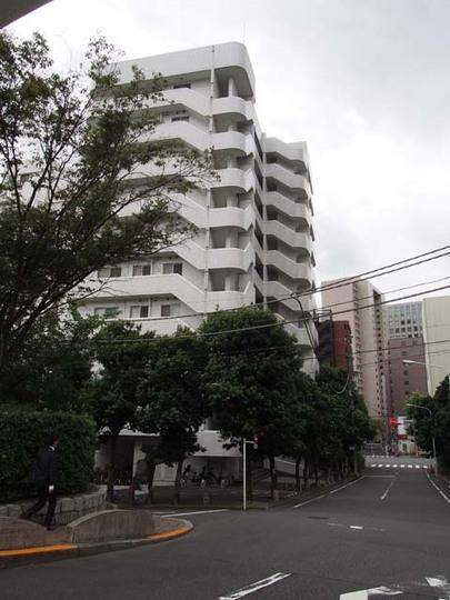 秀和新川アネックスの外観