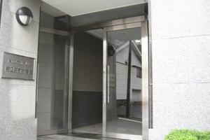 藤和シティホームズ駒込駅前弐番館のエントランス
