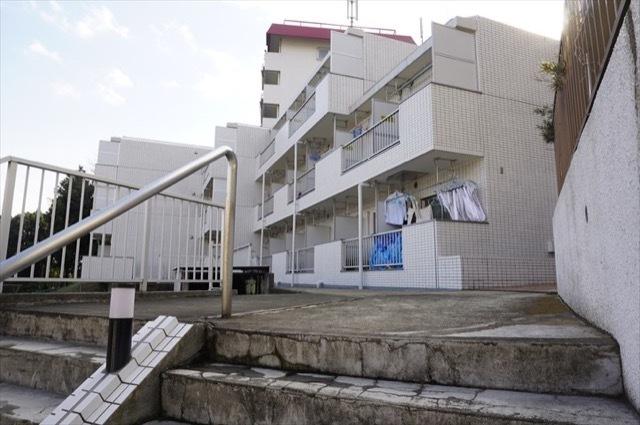 フレンドポート横浜第8の外観