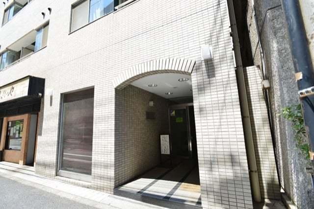 コスモ大井町のエントランス