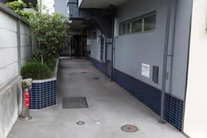 ニュー荻窪フラワーホームのエントランス