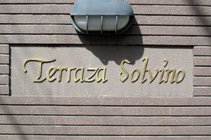 テラサソルヴィーノ神宮前の看板