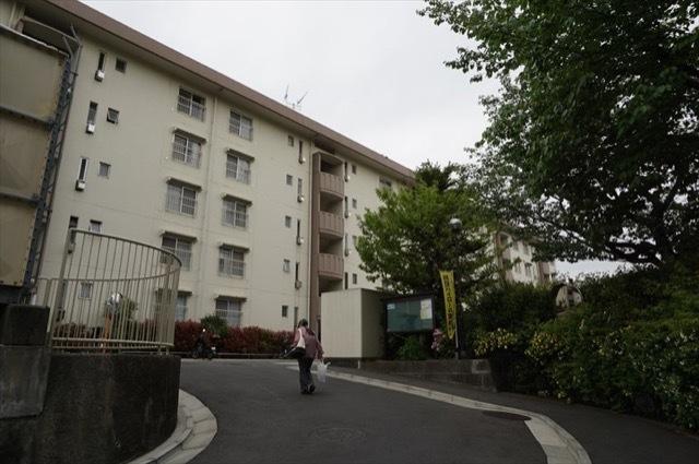 新桜ケ丘ハイツ(1〜6号棟)の外観