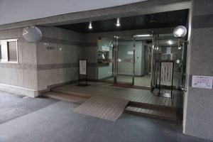 トーア早稲田マンションのエントランス