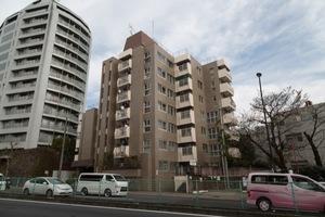 世田谷代田サンライズマンションの外観