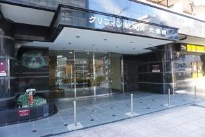 グリフィン新横浜6番館のエントランス