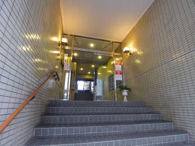 板橋区役所前リリエンハイムのエントランス