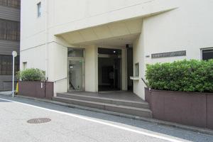 北新宿サマリヤマンションのエントランス