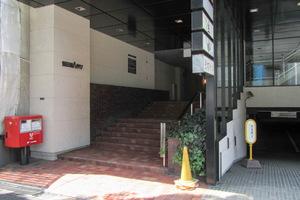 飯田橋ハイタウンのエントランス
