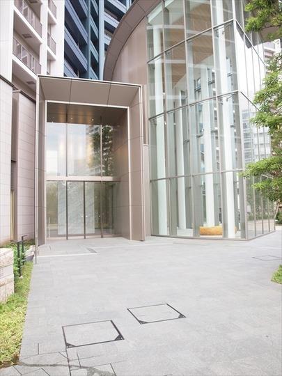 スカイズタワー&ガーデンのエントランス