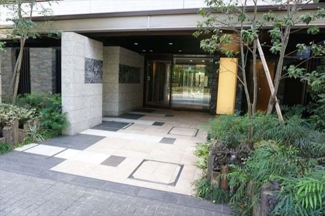 パークホームズ武蔵新城ガーデンスクエアのエントランス