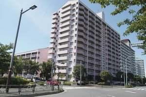 小松川チェリーガーデン1号棟の外観