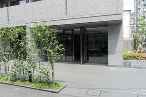 ルーブル高田馬場参番館のエントランス