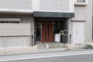 日神デュオステージ代田橋和泉通りのエントランス