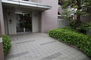 井草パークハウスのエントランス
