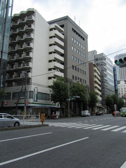 ニューライフ新宿の外観