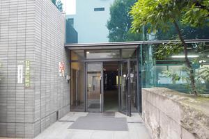日火江戸川橋ビル第1のエントランス