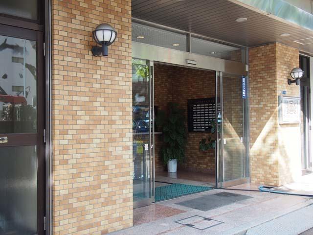 ライオンズマンション八丁堀第2のエントランス