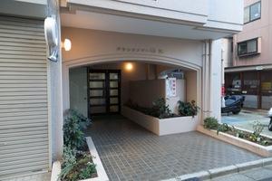 グランドメゾン駒沢のエントランス