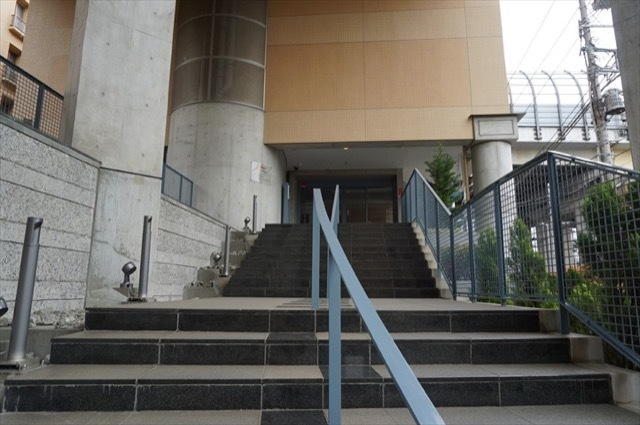 東急ドエル横浜ヒルサイドガーデン(1〜5番館)のエントランス