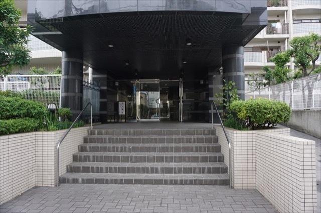 日吉ダイヤモンドマンション2号館のエントランス