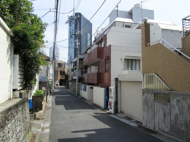 スカイコート新宿の外観