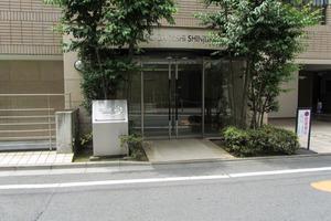デュオスカーラ西新宿のエントランス