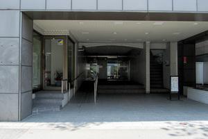 ニックハイム飯田橋のエントランス