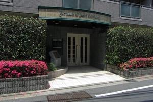 ドメイン東新宿のエントランス