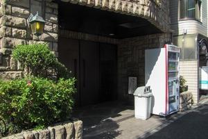 フェニックス早稲田駅前のエントランス