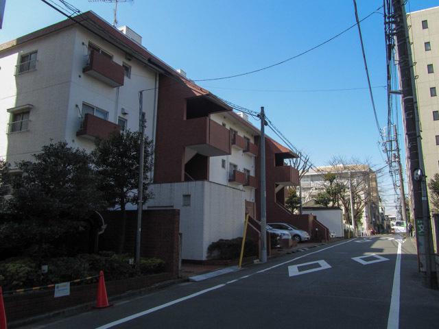 富ヶ谷スカイマンションの外観
