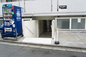 LAリトス西早稲田のエントランス