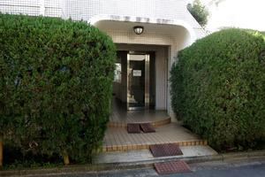 渋谷本町オリエントコート2のエントランス