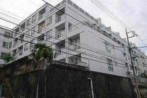 大岡山コーポラスの外観