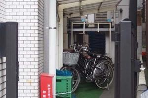 藤和日暮里駅前コープのエントランス