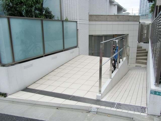 オープンレジデンシア目黒青葉台のエントランス