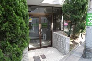 コスモ大泉学園のエントランス