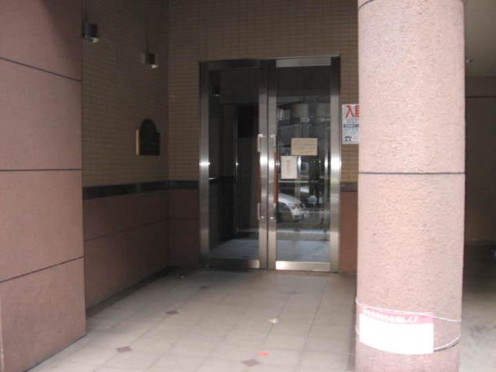 ミリオンステージ西早稲田壱番館のエントランス