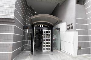 グランドメゾン千駄木1番館のエントランス