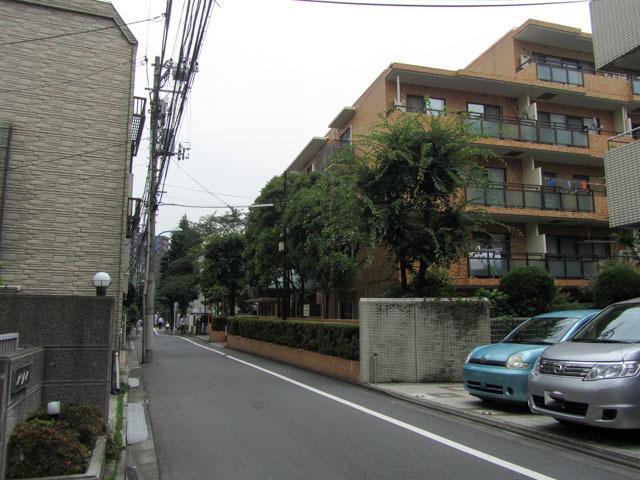 ライオンズマンション新宿原町の外観