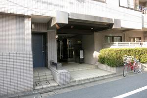 笹塚シティハウスのエントランス