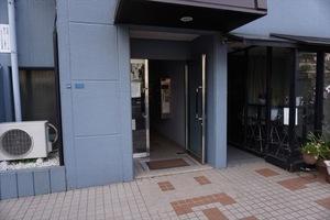 ニューライフ新宿東のエントランス
