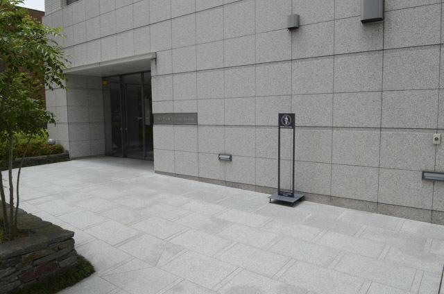 イニシア一之江駅前のエントランス