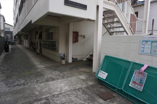 チェリーハイツ(横浜市)のエントランス