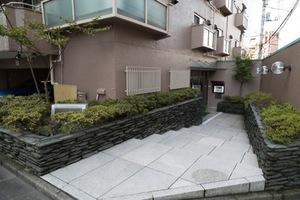 荻窪パークマンションのエントランス