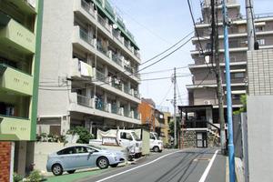 信濃町セントラルマンションの外観